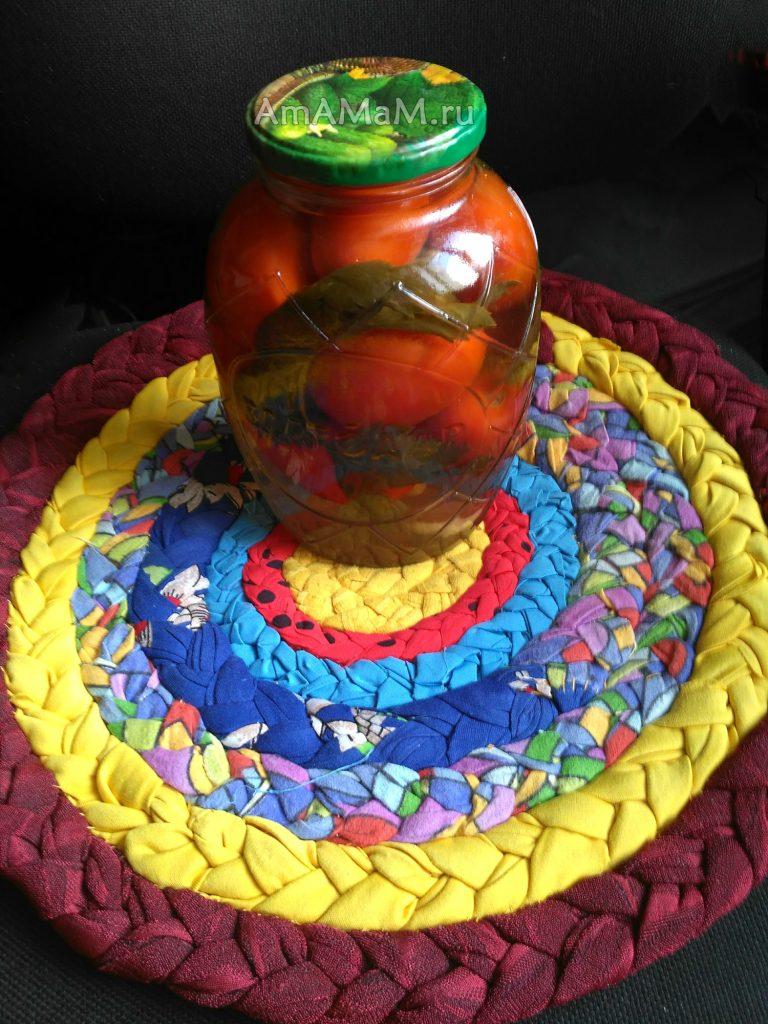 Приготовление маринованных помидоров - простой рецепт