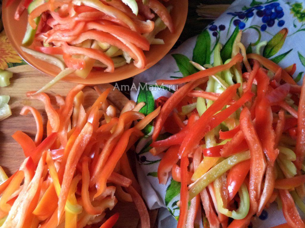 Консервирование перца в маринаде соломкой