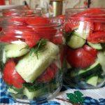 Салат из помидоров и огурцов на зиму (дольками с укропом и луком)