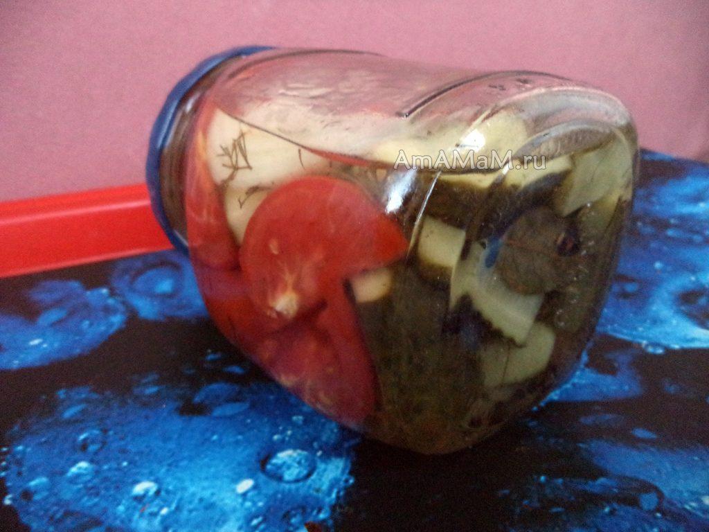 Рецепт зимнего салата из огурцов и помидоров в маринаде