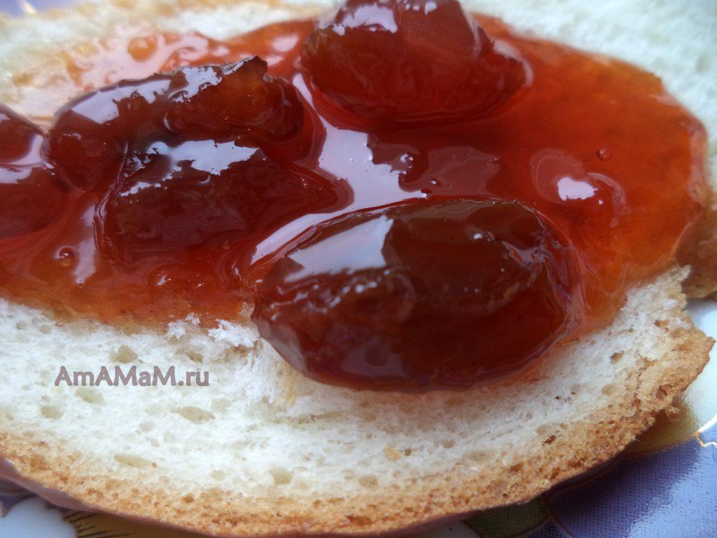 Варенье из винограда на хлебе