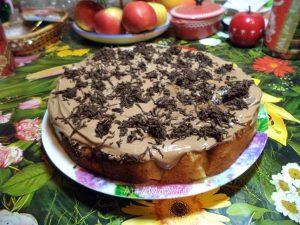 Рецепт шоколадного пирога с яблоками