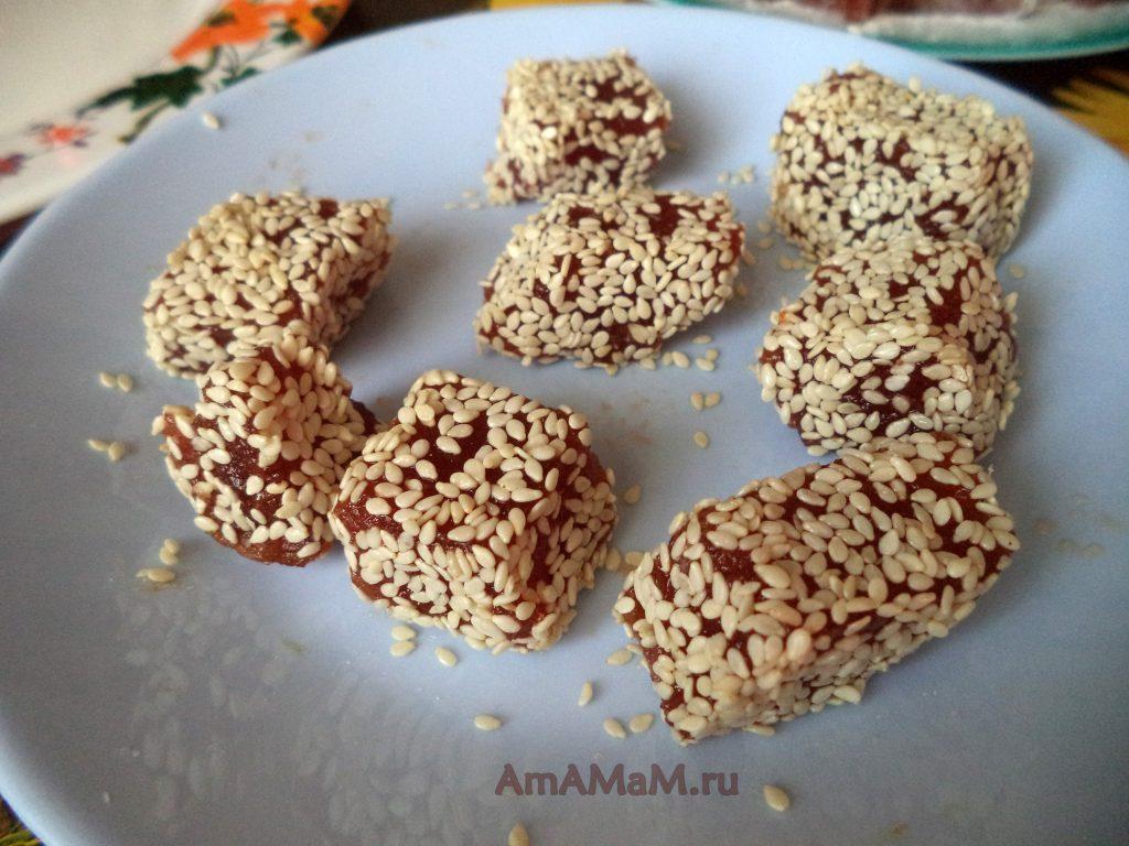 Конфеты домашние из самодельнго мармелада в кунжуте