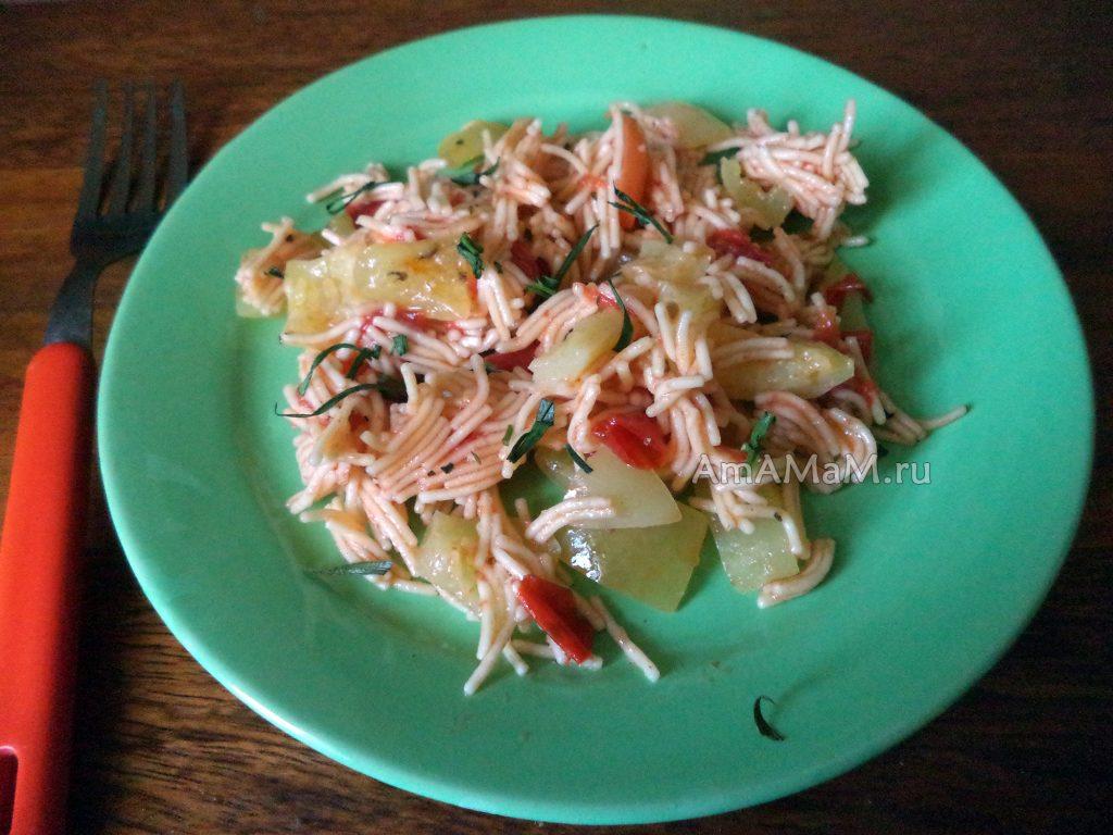 Рецепт холодного салат из овощей и вермишели