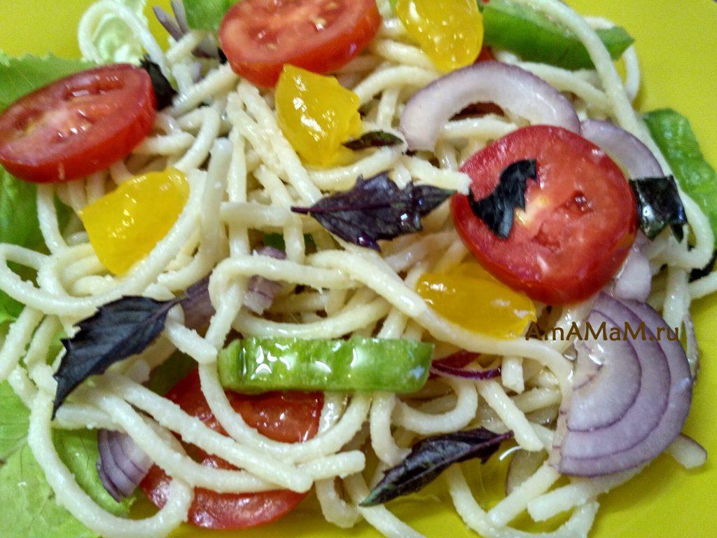 Вкусный итальянский салат из спагетти