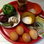 Ингредиенты для закуски с маринованными яйцами