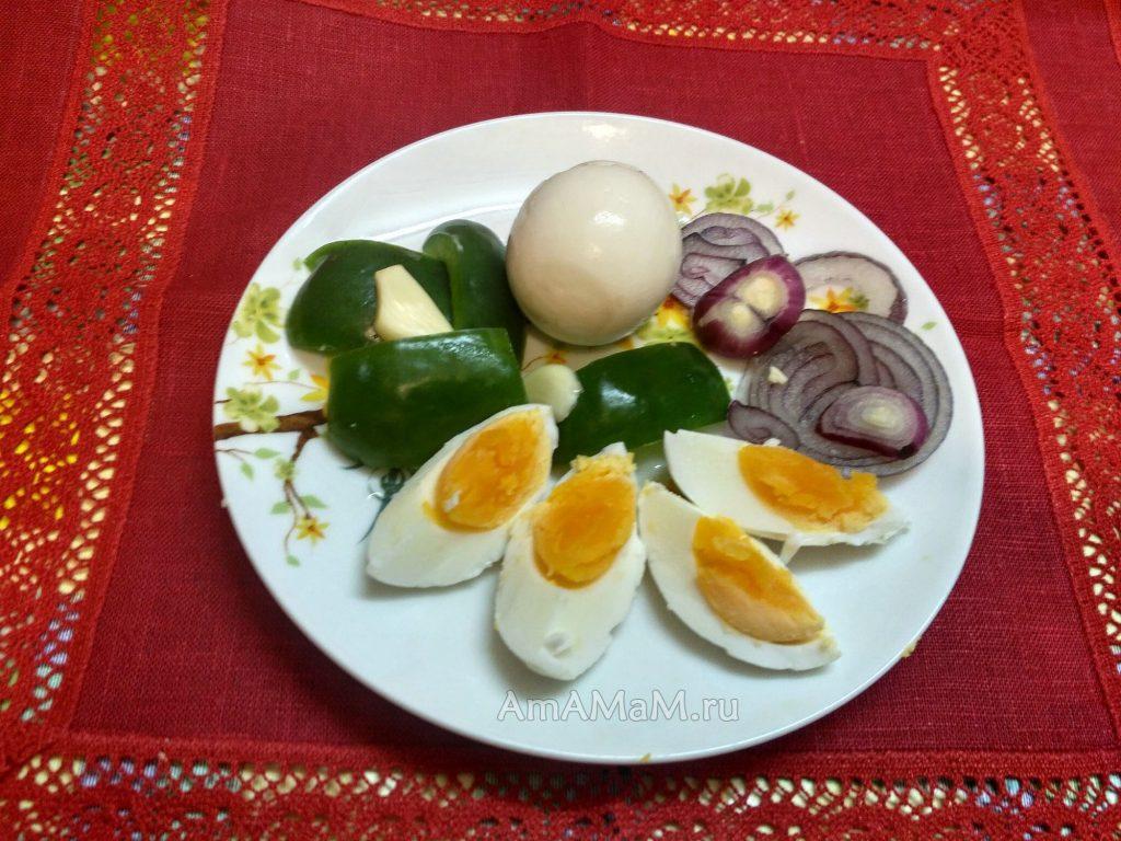 Как готовят маринованные яйца - рецепт