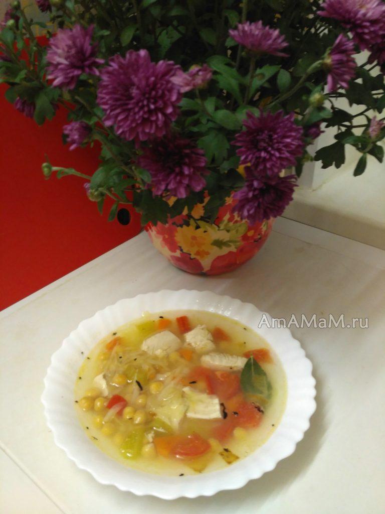 Суп с тертым картофелем, нутом и грудкой