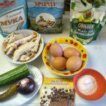 Состав салата из яичных блинчиков и куриной грудки