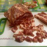 Как мелко нарезать свинину для рулета