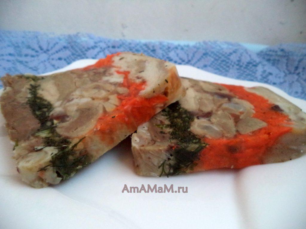 Как делают террин из свинины (мясной рулет в желе)