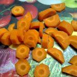 Нарезка моркови кружочками и полукружьями