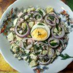 Салат из морской капусты с картофелем и колбасой