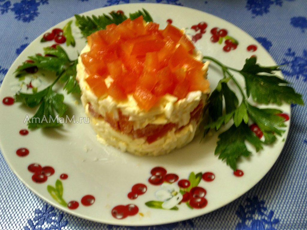 Сырный салат с помидорами