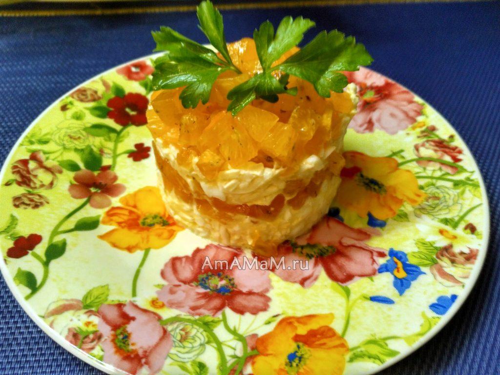 Салат из плавленых сырков с хурмой