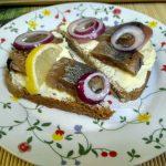 Сельдь домашняя на бутербродах