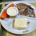 Икра из селедки с сыром и маслом и морковкой