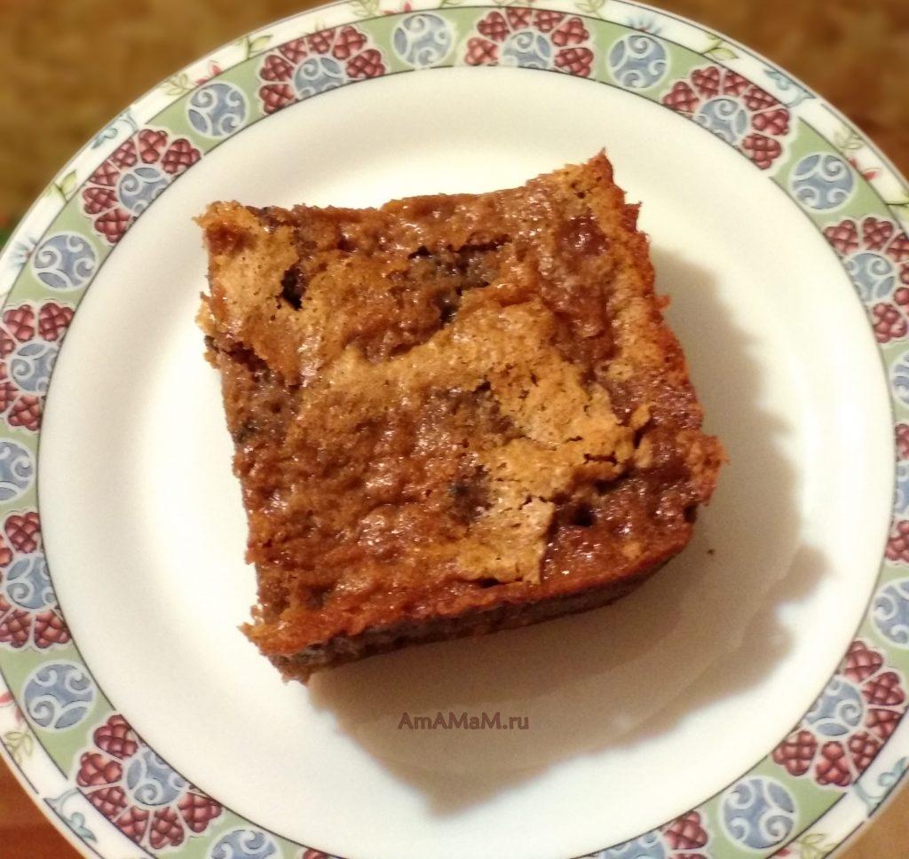 Пирог из вишни и изюма