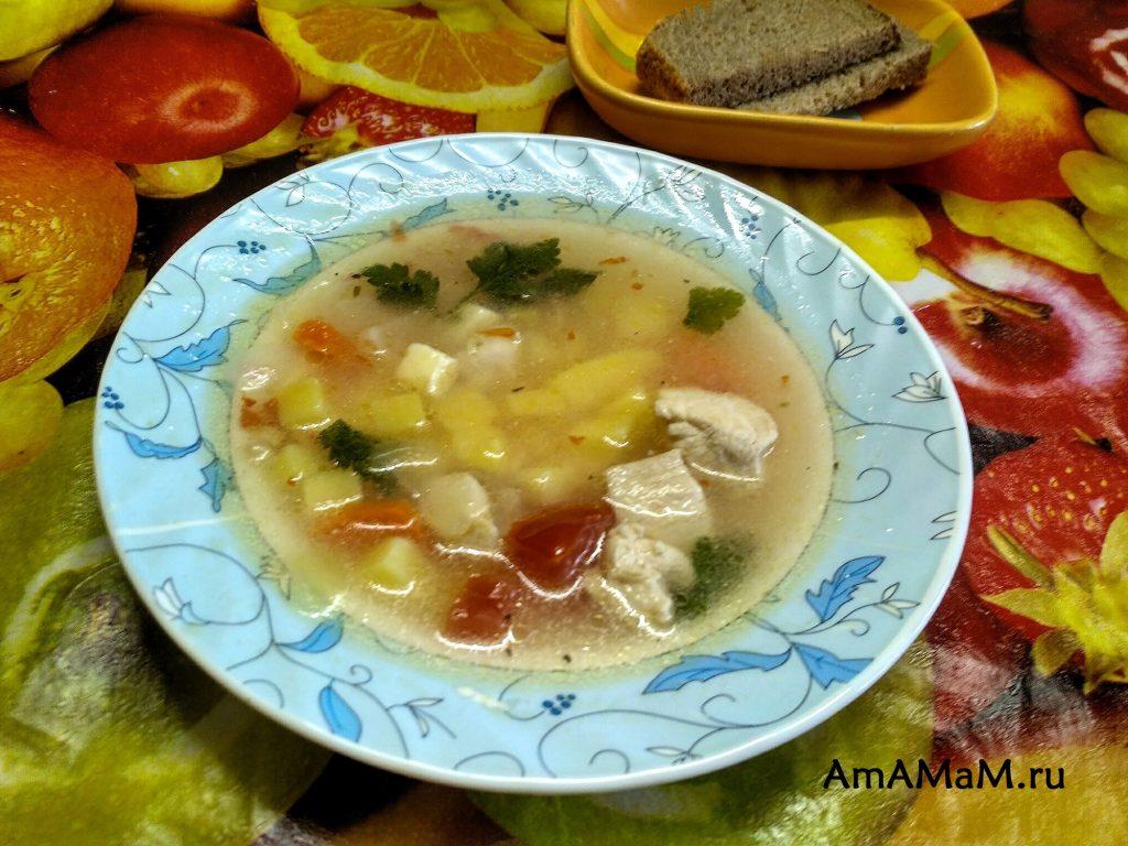 Куриный суп с сырком и фасолью