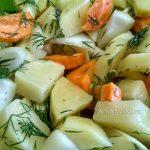 Картошка, морковь, укроп и лук