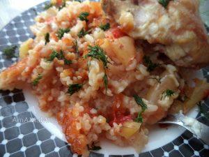Бедрышки в духовке с рисом и вермишелью