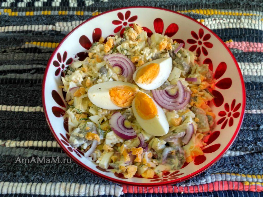 Яичный польский салат с рисом