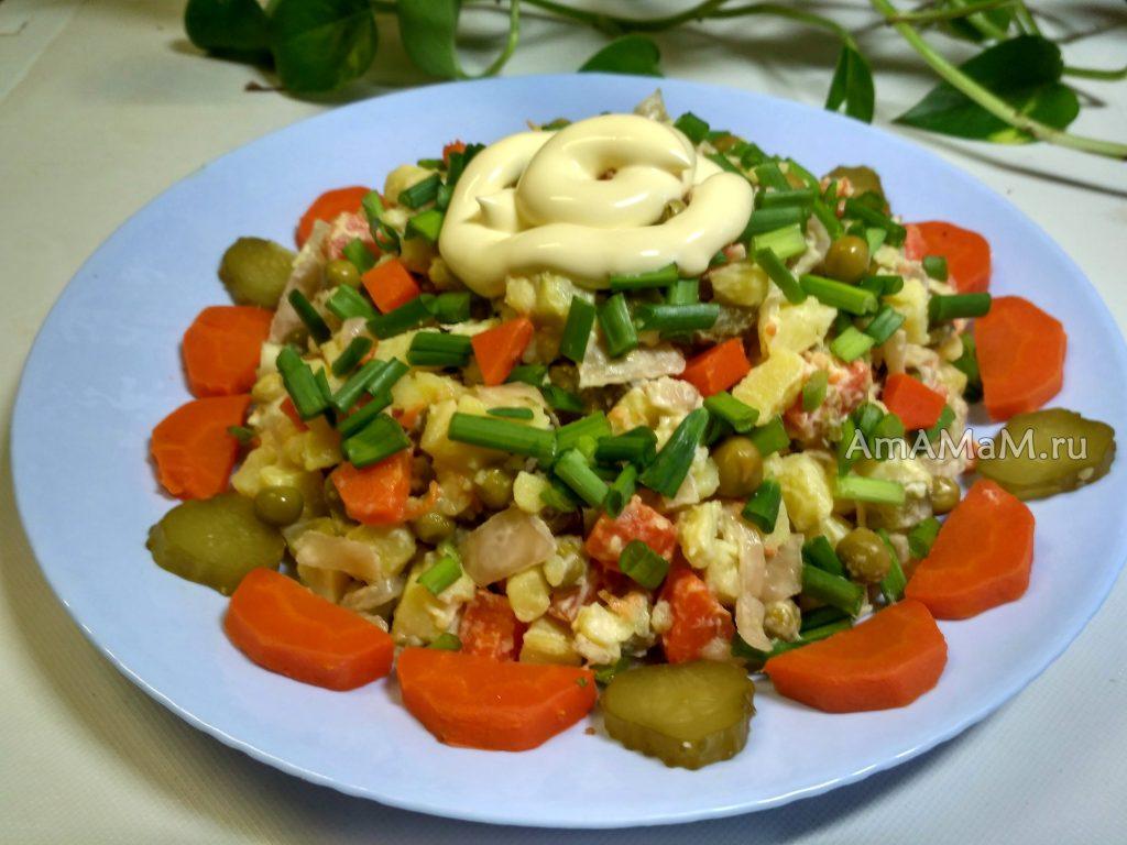 Салат из овощей и капусты