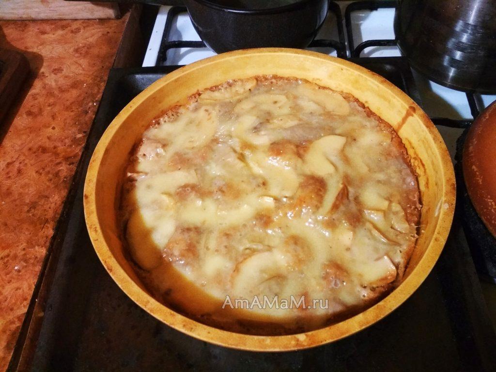 Яблочный пирог в форме для запекания (силиконовой)