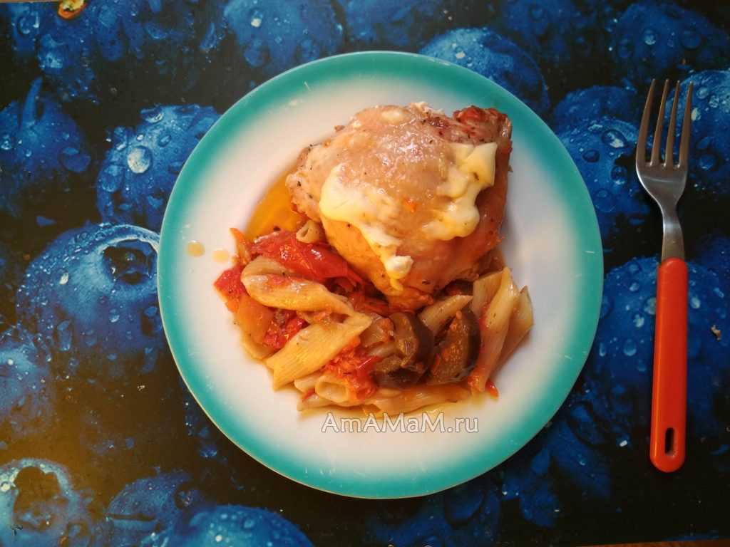 Овощи и макароны с курицей