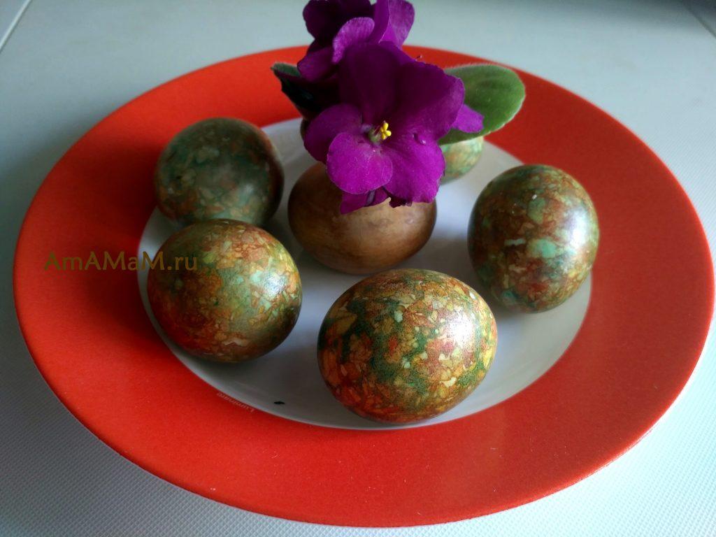 Окраска яиц шелухой и зеленкой - мраморные яйца