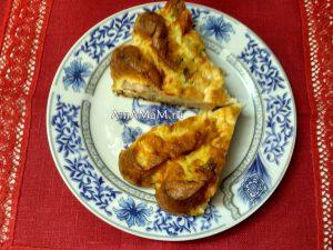 Простой и вкусный пирог с сосисками и сладким перцем