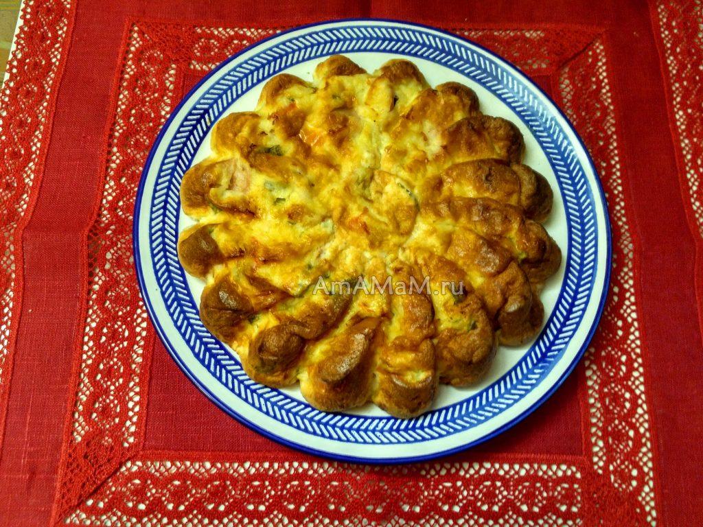 Рецепт вкусного пирога с сосисками и фото