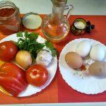 Рецепт еврейской глазуньи с жареными помидорами и луком