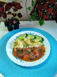Вкусная мясная подливка с картофельным пюре