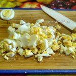 Нарезка яиц в салат