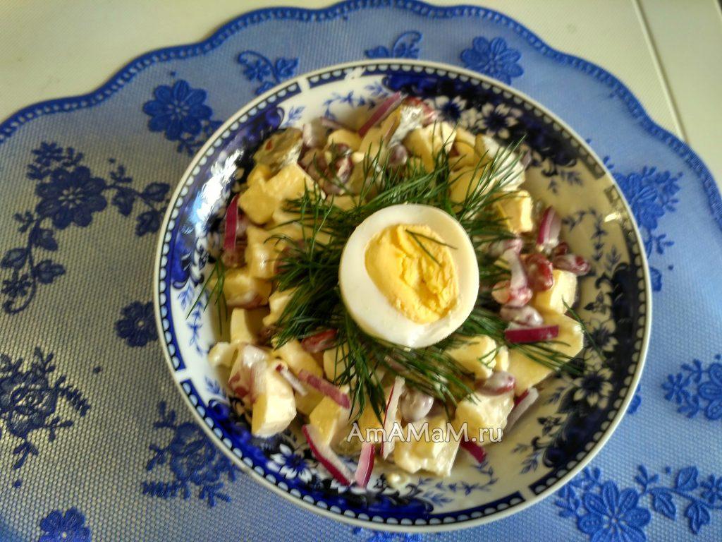 Фасолевый салат - простой рецепс яблочком
