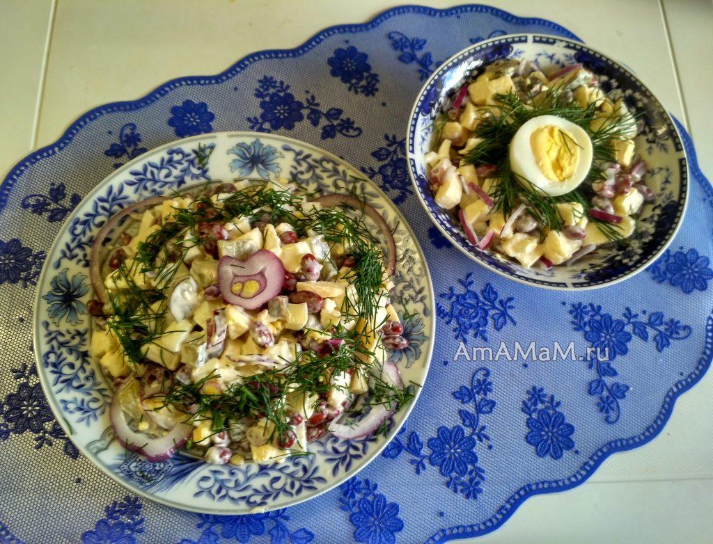 Салат из белой фасоли и яблока