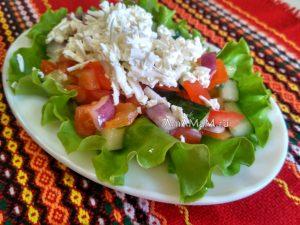 Болгарский салат из огурцов и помидоров с брынзой (шопский)