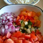Как делают шопский салат - фото