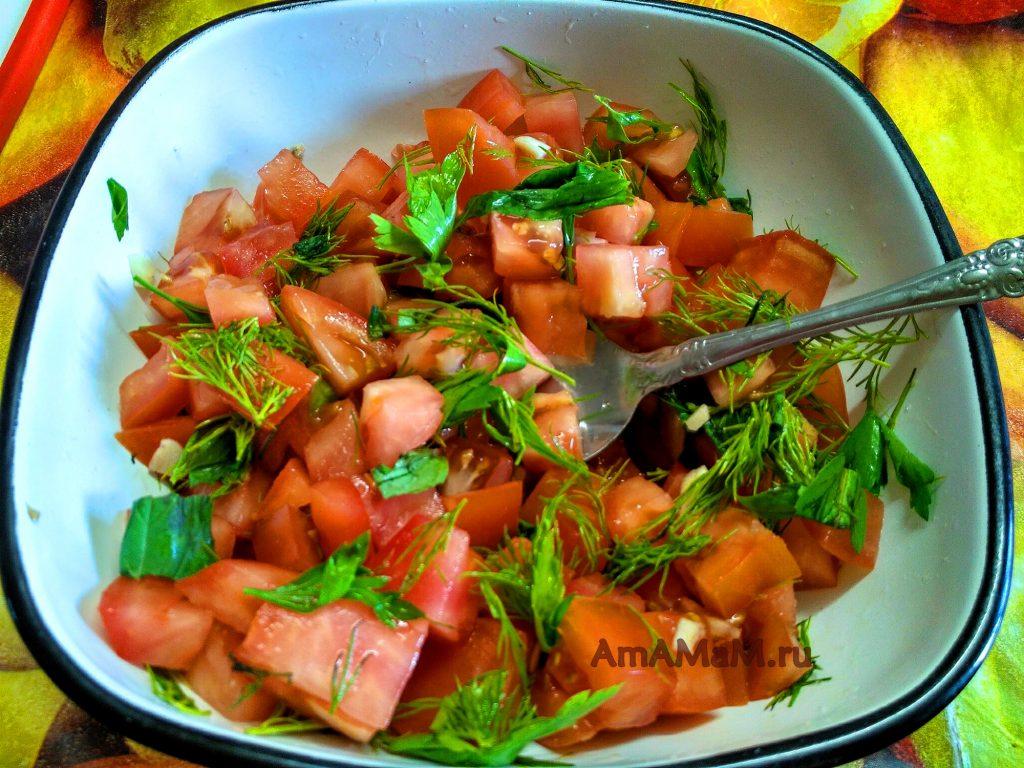 Салат для подачи к жареному сулугуни