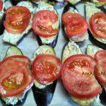 Слой помидоров на баклажанной закуске