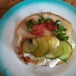 Сэндвич с яйцом и соленым огурцом - что внутри