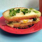 Бутерброд с яичницей (сэндвич)