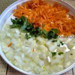 Что нужно для тушения капусты - овощи и зелень в нарезке
