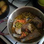 Рыба тушеная с горошком (минтай)