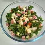 Руккола и груша - рецепт вкусного салата с ветчиной и сыром