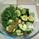 Салат из огурцов (слегка замаринованных)