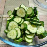 Огурцы - приготовление салата