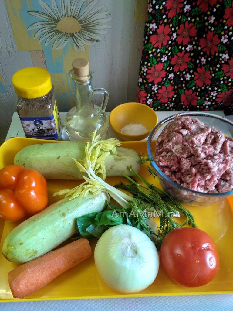 Ингредиенты для тефтелек с тушеными овощами