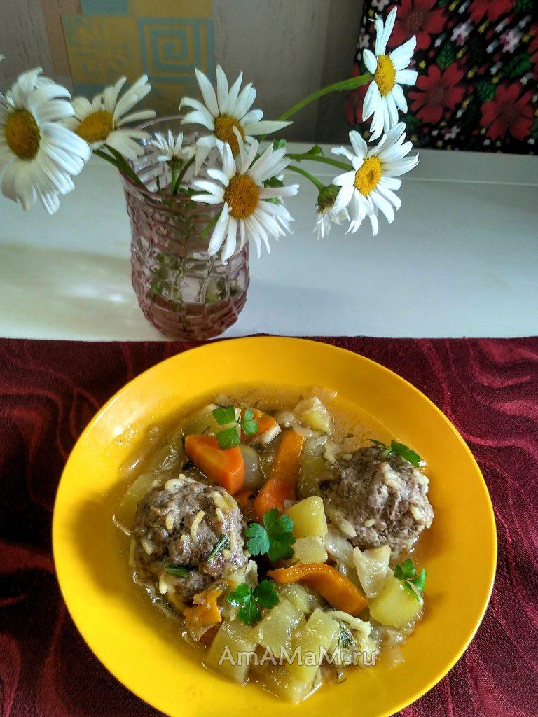 Тефтельки с вермишелью и разу из кабачков